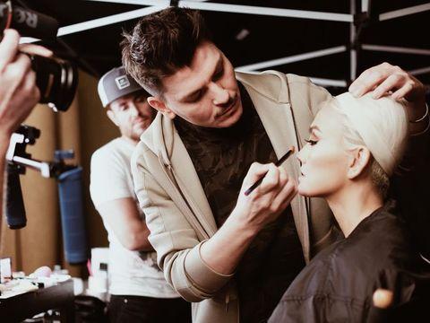 Agnez Mo, Seleb Indonesia Pertama yang Dirias Makeup Artist Kim Kardashian