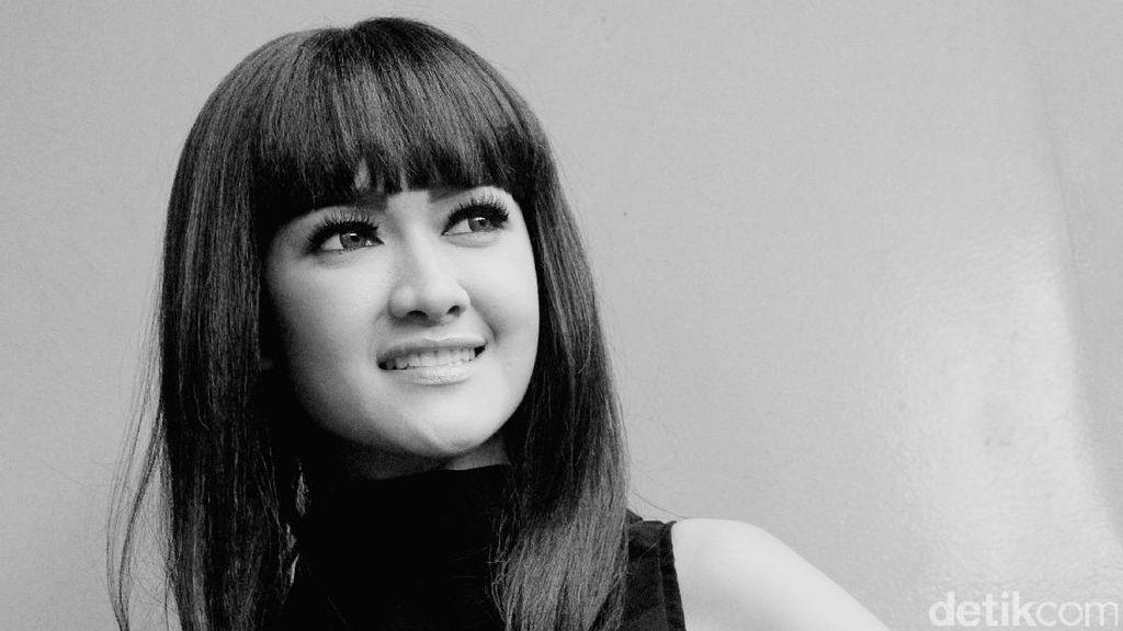 Obituari Julia Perez: Tak Pernah Sedetik pun Menyerah