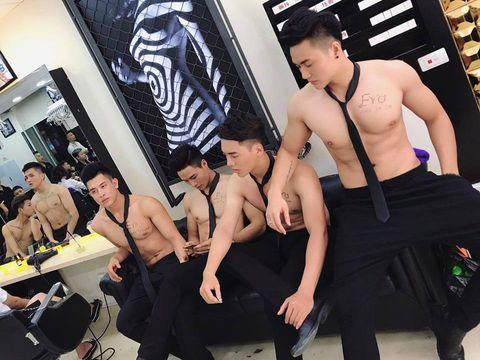 Viral, Salon di Vietnam yang Para Stafnya Pria Tampan Bertelanjang Dada