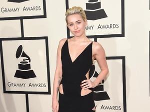 Miley Cyrus Ternyata Punya Adik Tampan, Ini Fotonya