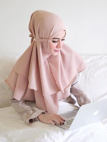 Foto Jilbab Instan Seperti Ini Yang Tren Dipakai Selebgram
