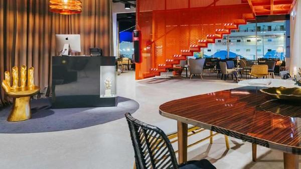 Pestana CR7 Hotel mengambil tema Lifestyle Hotel. Hotel bintang 4 ini dibalut dengan arsitektur yang penuh warna dan tidak kaku (Pestana CR7 Hotel)