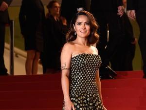 Salma Hayek Cerita Soal Pelecehan Seksual oleh Harvey Weinstein