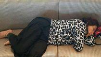 Foto Menteri Kelautan Susi Ketiduran di Bandara Jadi Viral