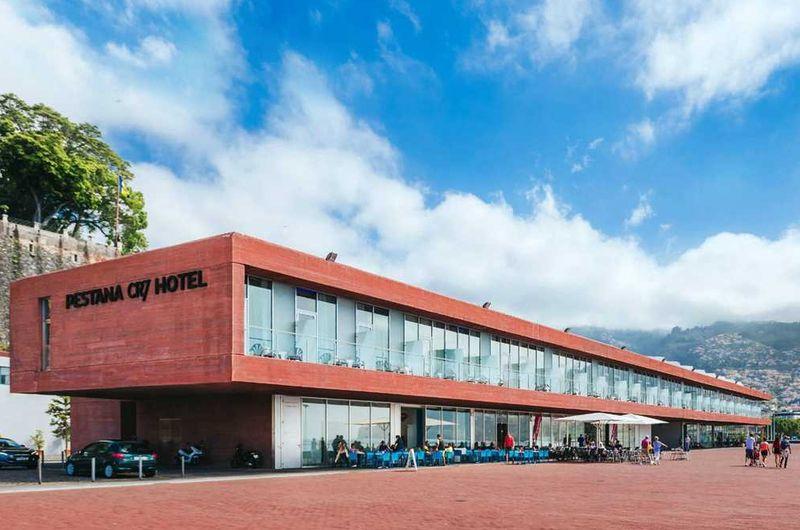 Cristiano Ronaldo sudah punya 2 hotel yang bernama Pestana CR7 di Portugal, kerjasama dengan jaringan hotel Pestana. Dua hotel itu yakni CR7 Funchal dan Pestana CR7 Lisboa yang sudah dibuka sejak tahun 2015 (Pestana CR7 Hotel)