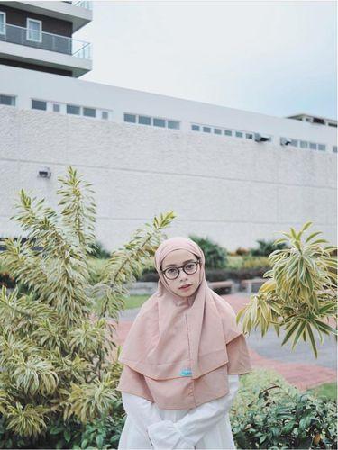 Foto: Jilbab Instan Seperti Ini yang Tren Dipakai Selebgram