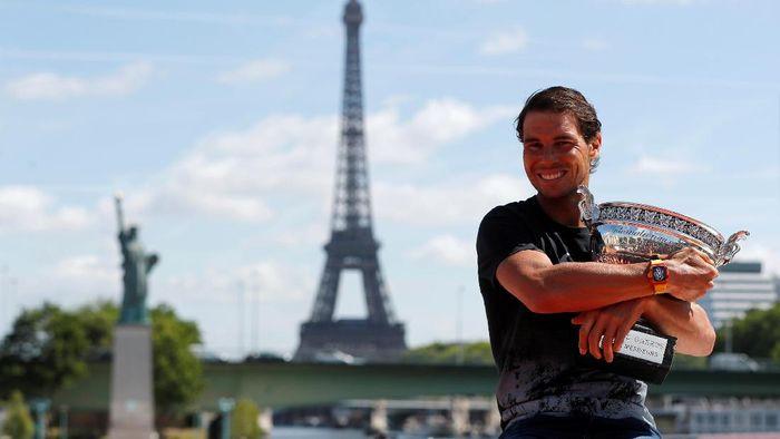 Rafael Nadal raja lapangan tanah liat. Foto: REUTERS/Gonzalo Fuentes