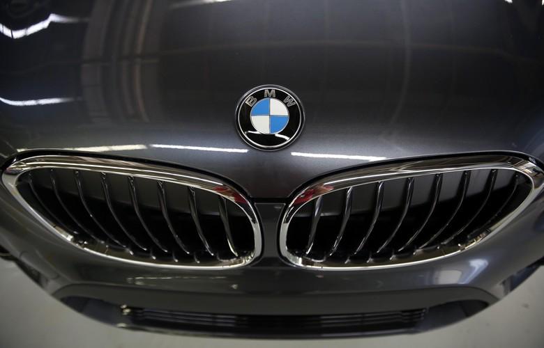 Logo BMW. Foto: Rachman Haryanto