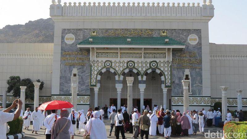 Jamaah yang penasaran dengan isi Kabah, bisa datang ke museum Masjidil Haram dan Masjid Nabawi. (Fitraya/detikcom)
