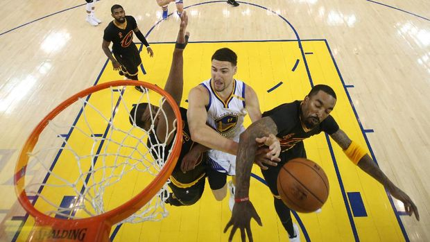 Warriors vs Cavs di gim kelima Final NBA 2017.