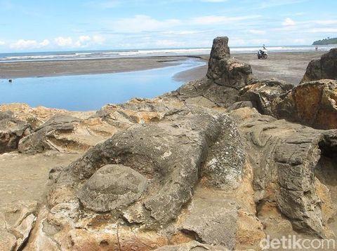 Batu Malin Kundang, Kisah Hari Dongeng Sedunia