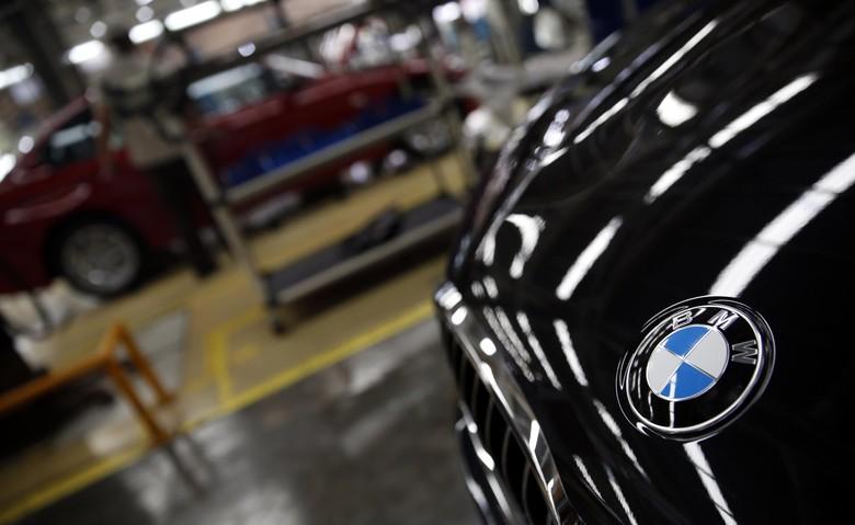 Logo BMW (Foto: Rachman Haryanto)