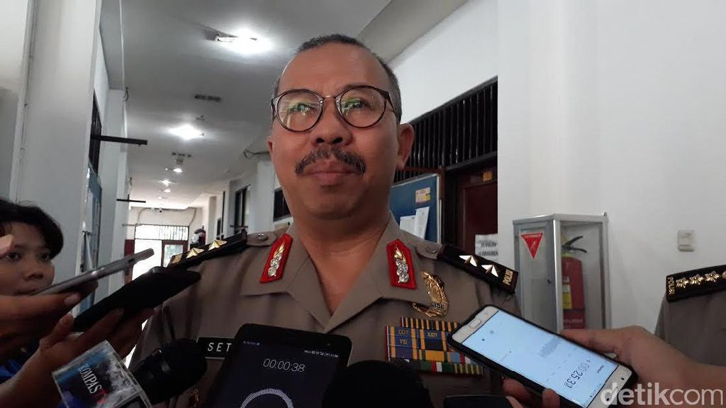 Polisi Sebut 4 Terduga Teroris di Jabar-Jateng Terkait JAD