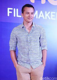 Ini Aktor Indonesia yang Punya Wajah Maskulin dan Ideal Secara Matematis