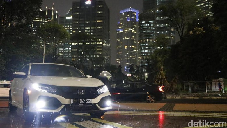 Honda Civic Hatchback Turbo (Foto: M. Luthfi Andika)