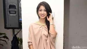 Miss Indonesia 2009 Berlogat Bule