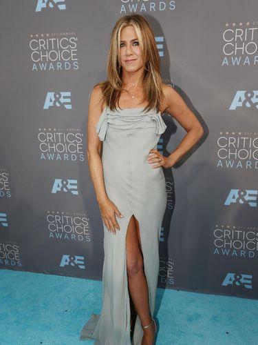 Fokus Bekerja, Jennifer Aniston Bahagia Menjomblo Pascacerai