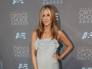 Jennifer Aniston Memaafkan Perselingkuhan Brad Pitt dan Angelina Jolie