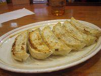 Puluhan Tahun Restoran Gyoza Ini Beri Makan Gratis untuk Pelajar Tak Mampu