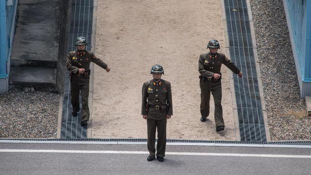 DMZ dikawal ketat tentara dari kedua negara.