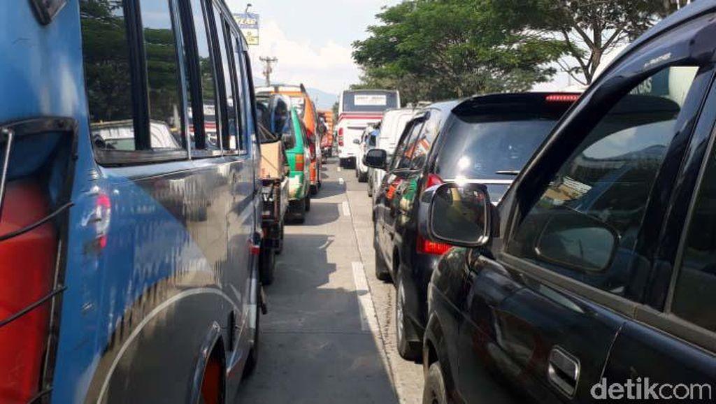 5 Tragedi yang Ingatkan Risiko Beristirahat di Dalam Mobil