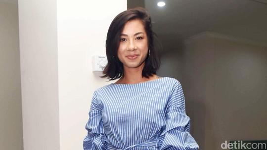 Penampilan Jennifer Bachdim di Ulang Tahun Karenina Sunny
