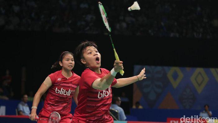 Greysia Polii/Apriyani Rahayu lolos ke babak semifinal Hong Kong Terbuka Super Series 2017. (Grandyos Zafna/detikSport)