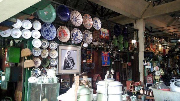 Barang-barang jadul yang dijual di Pasar Triwindu (Wahyu/detikTravel)