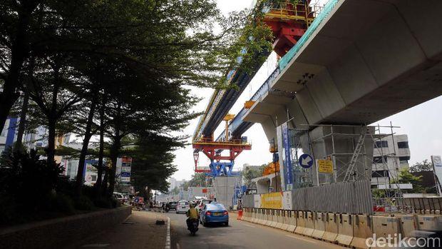 LRT Jakarta bakal selesai Juni 2018