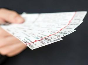 Salah Dapat Tiket Lotre, Pria Ini Malah Beruntung Dapatkan Uang Rp 96 Miliar