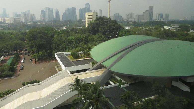 DPR Pertimbangkan Revisi UU Pilkada Larang Eks Koruptor Nyalon