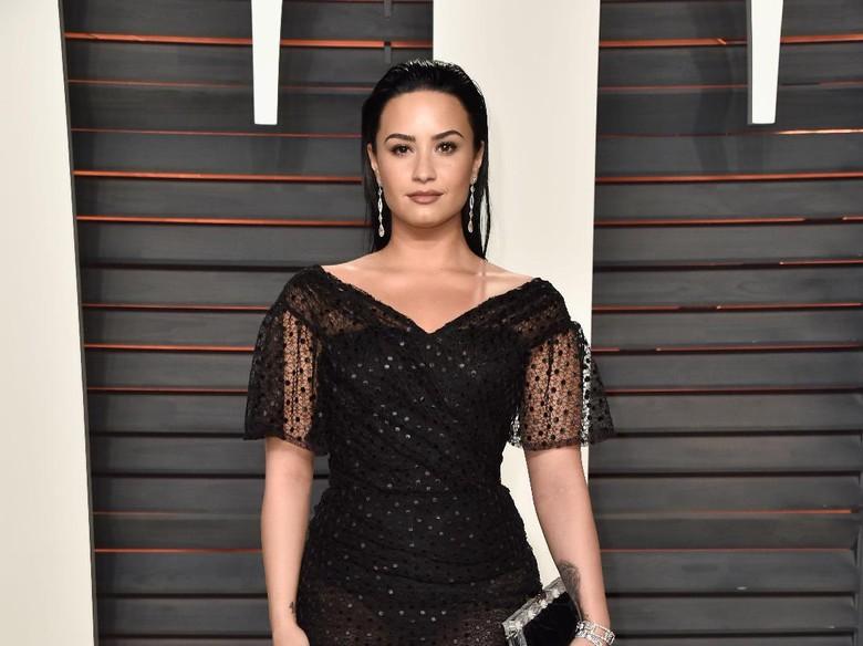 Demi Lovato Ternyata Pernah Ingin Bunuh Diri di Usia Tujuh Tahun