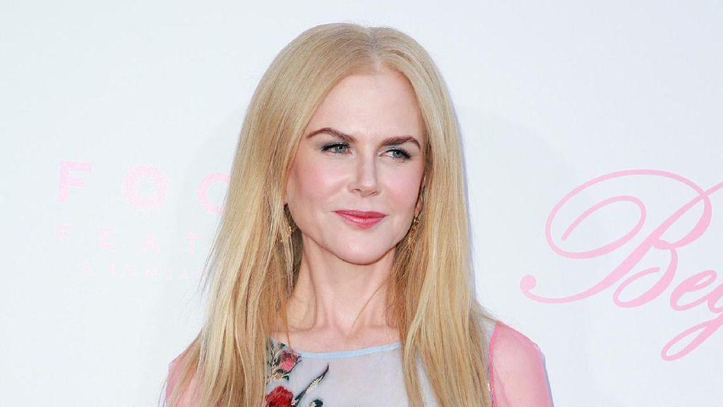 Wah, Ternyata Nicole Kidman Doyan Makan Serangga!