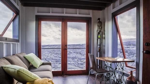 Panorama lahar dingin dari jendela (ArtisTree)