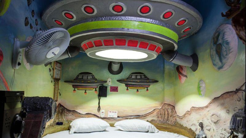 Salah satunya Motel Kiss Me, salah satu hotel yang populer di Kolombia (Francesco Giusti/CNN)