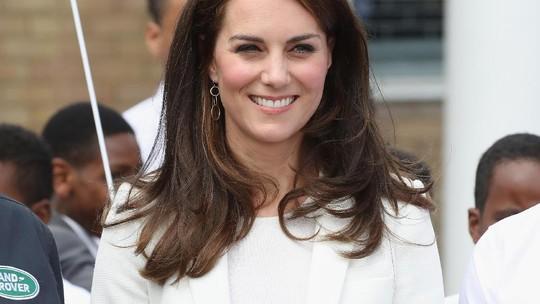 Smile! Kate Middleton Tampak Happy