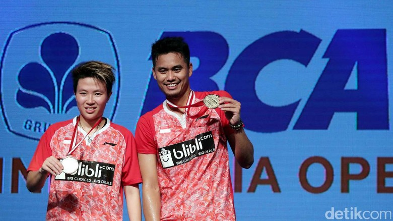 Indonesia Open 2017: 3 untuk Liliyana, 1 Koleksi Owi