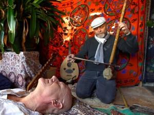Hidayah Islam Mengetuk Hati Pria Austria Melalui Musik