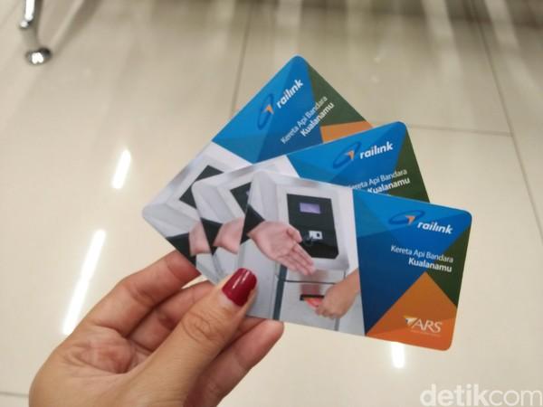 Tiket atau karcis yang diberikan berupa kartu layaknya atm. Kartu ini dipergunakan dalam sekali jalan (Bonauli/detikTravel)
