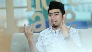 Pernikahan Istimewa 11-11-11 Ustad Solmed & April
