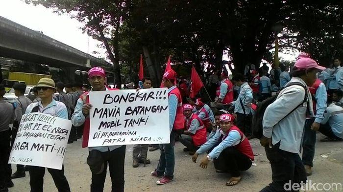 Demo sopir tangki Pertamina. Foto: Michael Agustinus/detikFinance