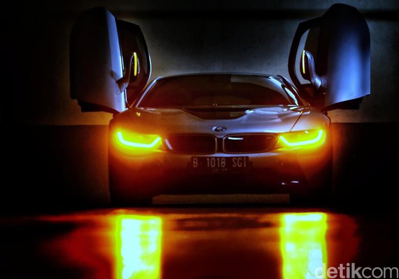 BMW i8 (Foto: Hasan Al Habshy)
