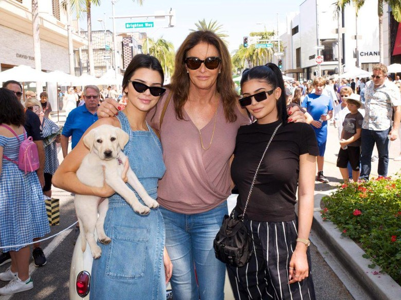 Caitlyn Jenner, Kendall dan Kylie. Foto: Dok. Getty Images