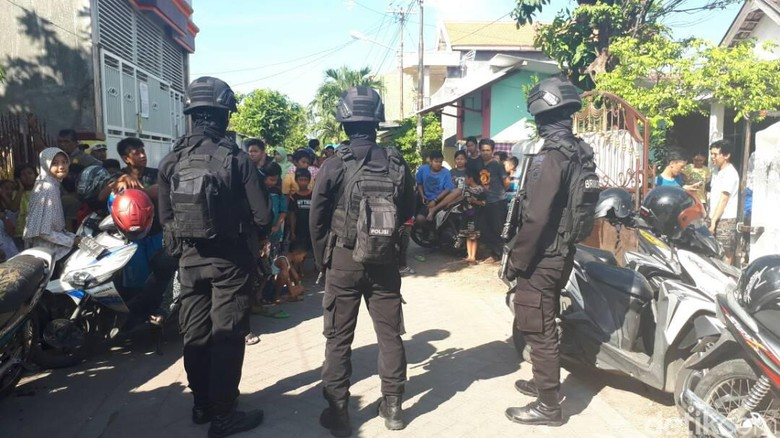 2 Terduga Teroris Ditangkap di Jatim, Kapolda Minta Anggota Waspada