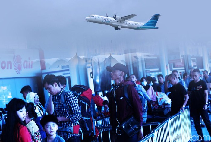 Ilustrasi mudik di bandara/ antrean di bandara