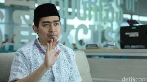 Finalis Puteri Indonesia 2010 Jenguk Pasien RSCM