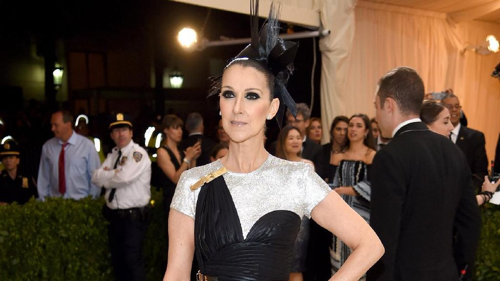 Celine Dion Pose Tanpa Busana untuk Vogue