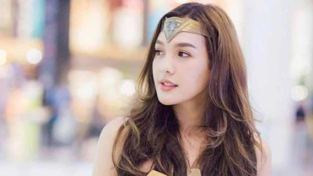Cosplay Wonder Woman yang Aslinya Wonder Boy