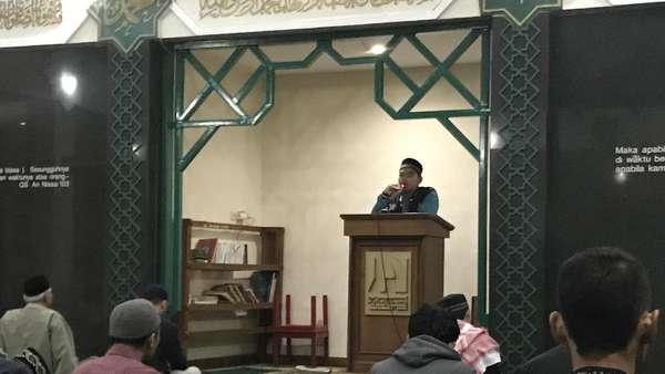 Dua Pelajaran Penting dari Dua Masjid dalam Malam Ke-25 Ramadan