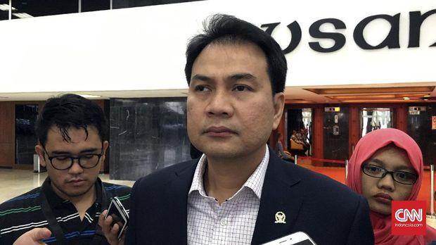 Wakil Ketua DPR Azis Syamsuddin menyebut pihaknya belum membahas soal masa jabatan presiden.